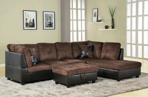 Sectional and ottoman for Sale in Puyallup, WA