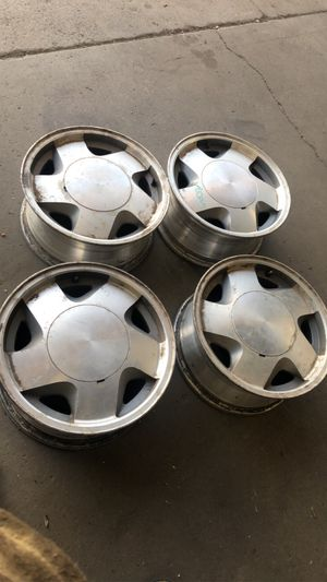 Chevy stock rims 16 inch for Sale in Sunnyside, WA