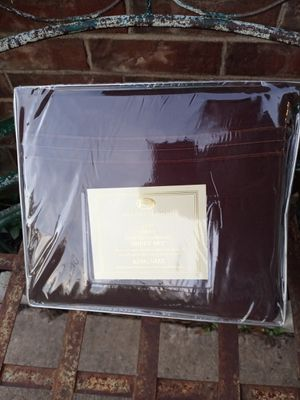 New chocolate color King size sheet set ❤️❤️❤️ for Sale in Hurst, TX