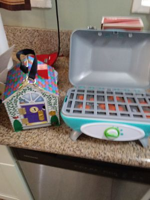 Kids toys grill and house for Sale in La Mirada, CA