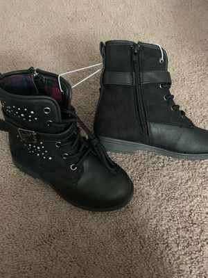Girls boots sizes 12, 13, for Sale in Middleburg Heights, OH