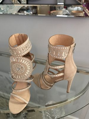 New Nude leather Strappy Crystal Sandals Heels, new in box for Sale in Miami, FL