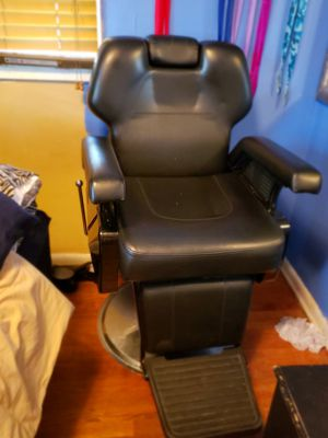 Barber chair for Sale in Durham, NC