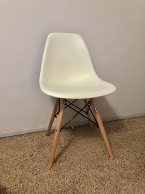 Modern Contemporary White Curved Side Chair Wood Legs for Sale in Selma, CA