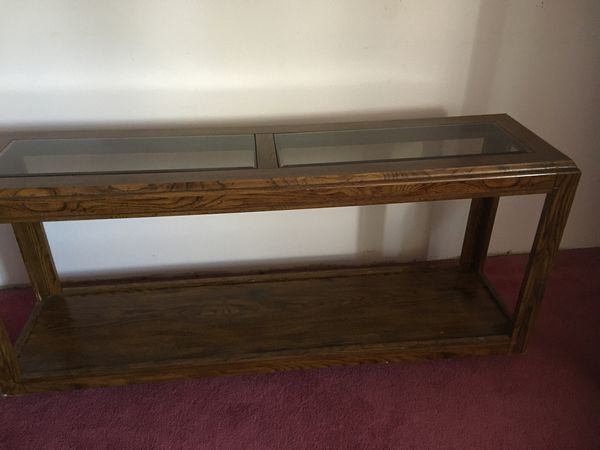 End Glass table/Curio