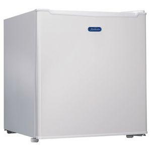 Mini Refrigerator for Sale in Bakersfield, CA
