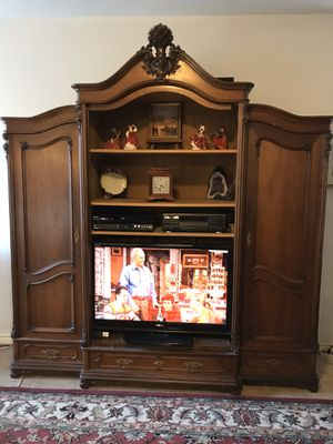 Antique French Louis XV Armoire for Sale in Plano, TX