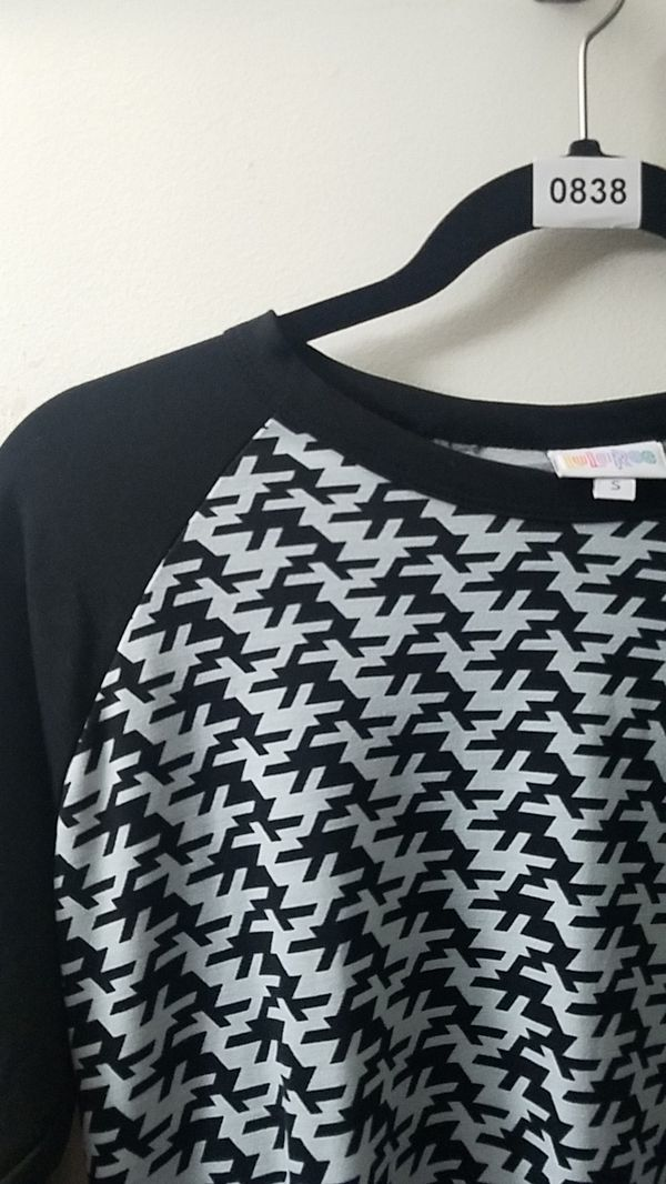 Lularoe Randy baseball tee small black and white houndstooth new with tags