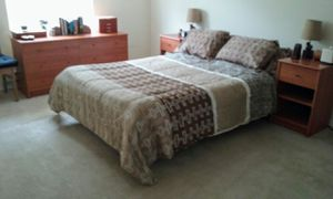 8 piece bedroom set for Sale in Bothell, WA