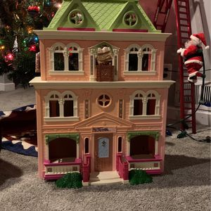DollHouse By Fisher-Price for Sale in Saint Paul, MN