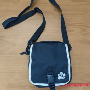 Convertible Waist/Crossbody/Shoulder Bag for Sale in Bay Shore, NY