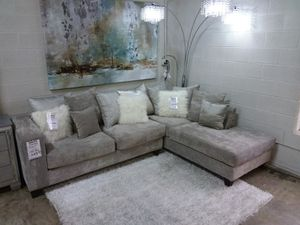 HOLLYWOOD SILVER GLAM SECTIONAL SOFA for Sale in Richardson, TX