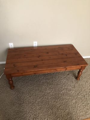 Cute coffee table for Sale in Renton, WA