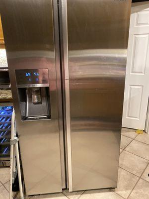 Samsung showcase refrigerator for Sale in Rancho Cucamonga, CA