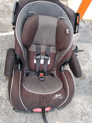 Car seat reclinable for Sale in Coral Springs, FL