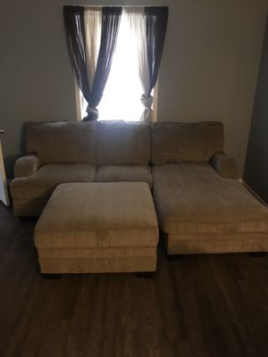 Sectional Couch with storage Ottoman for Sale in Nashville, TN