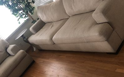 Freeeeee Z Galerie Couch set Furniture for Sale in South Gate,  CA