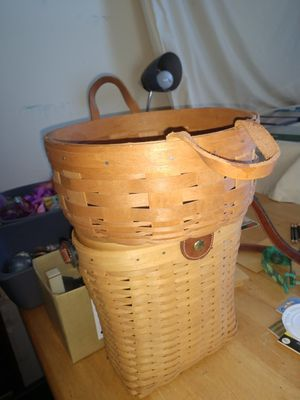 Longaberger basket. Leather handles for Sale in Cherry Hill, NJ