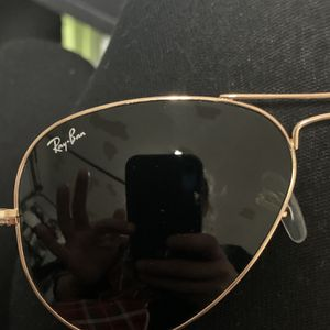 Women's Medium Raybans Aviators for Sale in Clayton, NC