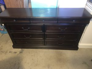 Bedroom set Dark Wood for Sale in Fort Worth, TX