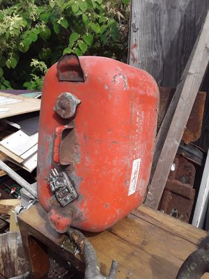Metal gas tank. for Sale in East Hartford, CT