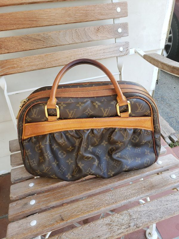 Louis Vuitton mizi Gm Bag