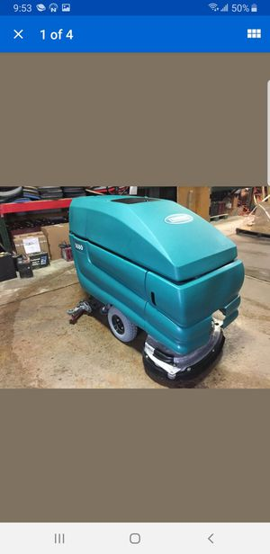 Tennant floor scrubber for Sale in Weston, FL
