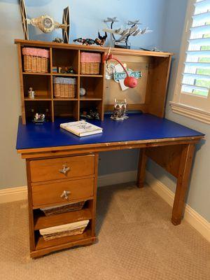 Pottery Barn boys desk for Sale in Pleasanton, CA