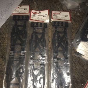 kyosho rear lower sus. arm for Sale in Dallas, TX