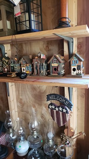 Wooden birdhouse for Sale in Farmville, VA