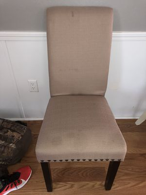 Brown chair for Sale in Waxhaw, NC