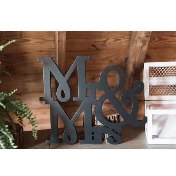 Mr & Mrs Decorative Sign
