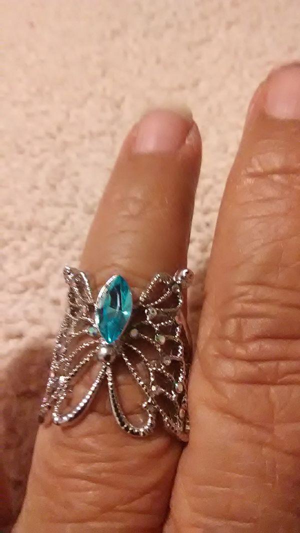 Beautiful butterfly ring sz 7