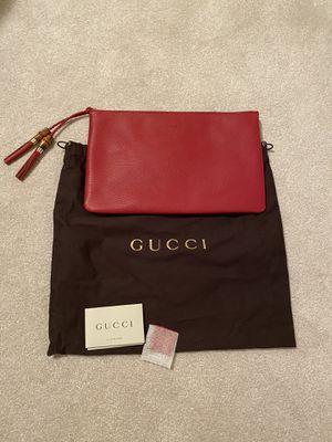 Gucci zip pouch for Sale in Bolingbrook, IL