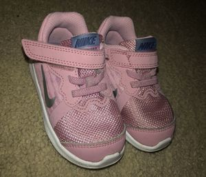 Size 5.5 (in Toddlers) Pink Nike's for Sale in Irvine, CA