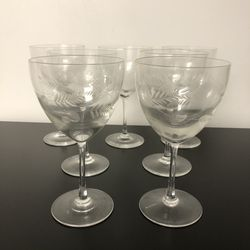 VINTAGE WINE GLASSES**SET OF 7 for Sale in Fairview Park,  OH