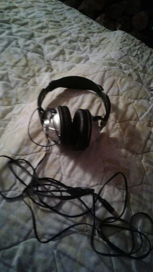 Headphone for $7 for Sale in Milton, WA