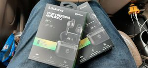 Headphones Bluetooth wireless earbuds Skullcandy and JBud for Sale in Dallas, TX