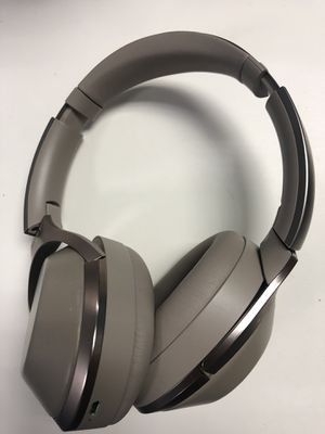 Sony mdr 1000x headphones for Sale in Fairfax, VA