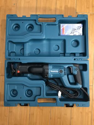 Makita 11 Amp Corded Variable Speed Reciprocating Saw with Hard Case for Sale in Los Angeles, CA