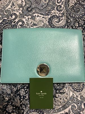 BEAUTIFUL BRAND NEW, KATE SPADE PURSE. TIFFANY COLOR for Sale in Gilbert, AZ