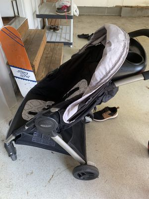 Graco stroller for Sale in Fuquay-Varina, NC