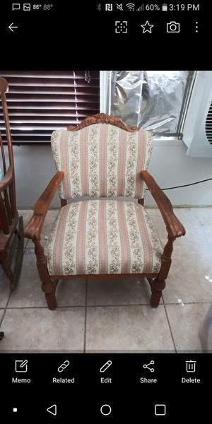 Antique claw chair for Sale in Victorville, CA