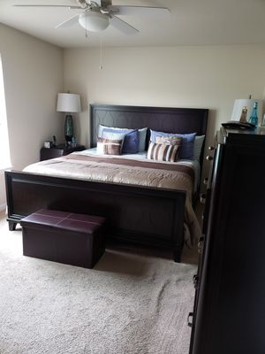 Bedroom Set - 6 pieces Mattress included - King size bed. All wood, Large dresser-9 draws, Chest -6 draws, night stand -3 draws. for Sale in Fort Wayne, IN
