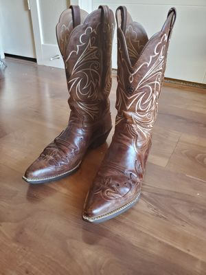 Ariat Ladies 9.5 boots for Sale in Arvada, CO