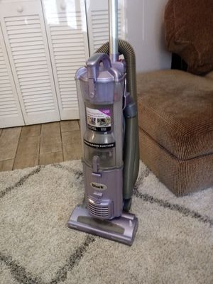 SHARK Navigator bagless vacuum cleaner for Sale in Clearwater, FL
