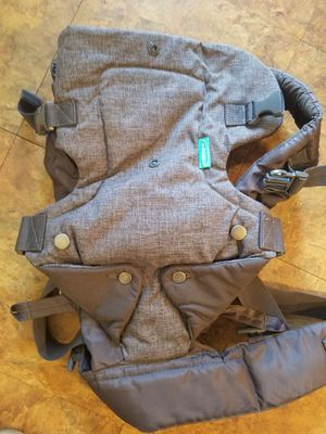 Baby carrier for Sale in Bowie, MD