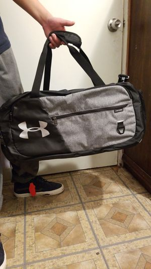 Under armour duffle bag for Sale in Portland, OR