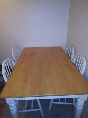 Wooden kitchen table plus 5 chairs for Sale in Swansea, IL
