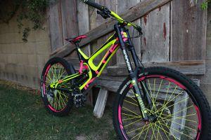Downhill mountain bike intense m16 carbon for Sale in Phoenix, AZ